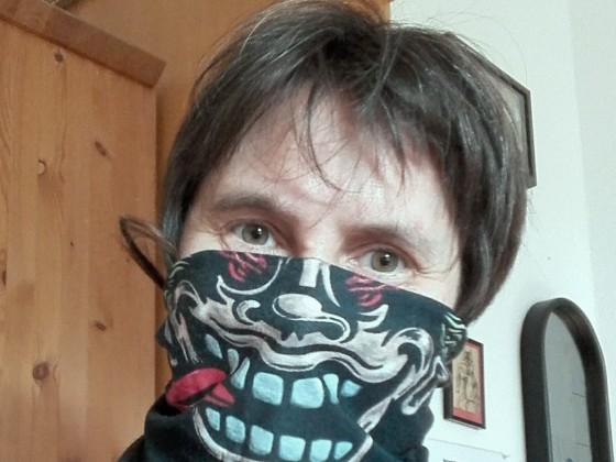 ... da mach ich doch mit bei der Maskenpflicht. Yeah ... der Abstand ist garantiert.